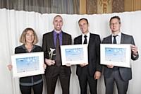 Les trois lauréats de la catégorie RH avec Thierry Mascarin (2e à droite), directeur régional des ventes Paris Sud de TNT