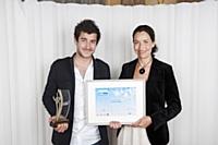 Guillaume Gibault (Le Slip Français), prix spécial de la rédaction, avec Stéfanie Moge-Masson, directrice des rédactions d'Editialis