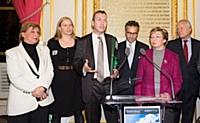 De gauche à droite : Agnès Bricard, Laurence Mehaignerie, le représentant de KPDP Consulting, Bernard Cohen-Hadad, Anne-Marie Escoffier et Jean-François Roubaud