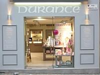 Le réseau Durance compte une dizaine de boutiques en propre et sept concessions (dont à Cannes dont voici la vitrine).