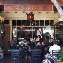 A l'entrée de Coupa Café de Palo Alto, en Californie.