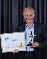 Le Trophée d'or dans la catégorie Export est attribué à Osmos Group, représentée par Gérard Baron, administrateur de la société.