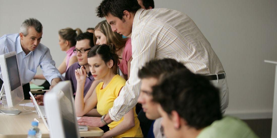 5 raisons d'oser confier des responsabilités aux jeunes dans votre entreprise