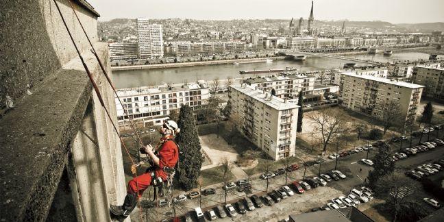 L'ascension d'une entreprise d'alpinistes du bâtiment