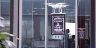 Le fast food russe Wokker fait sa publicité par drone