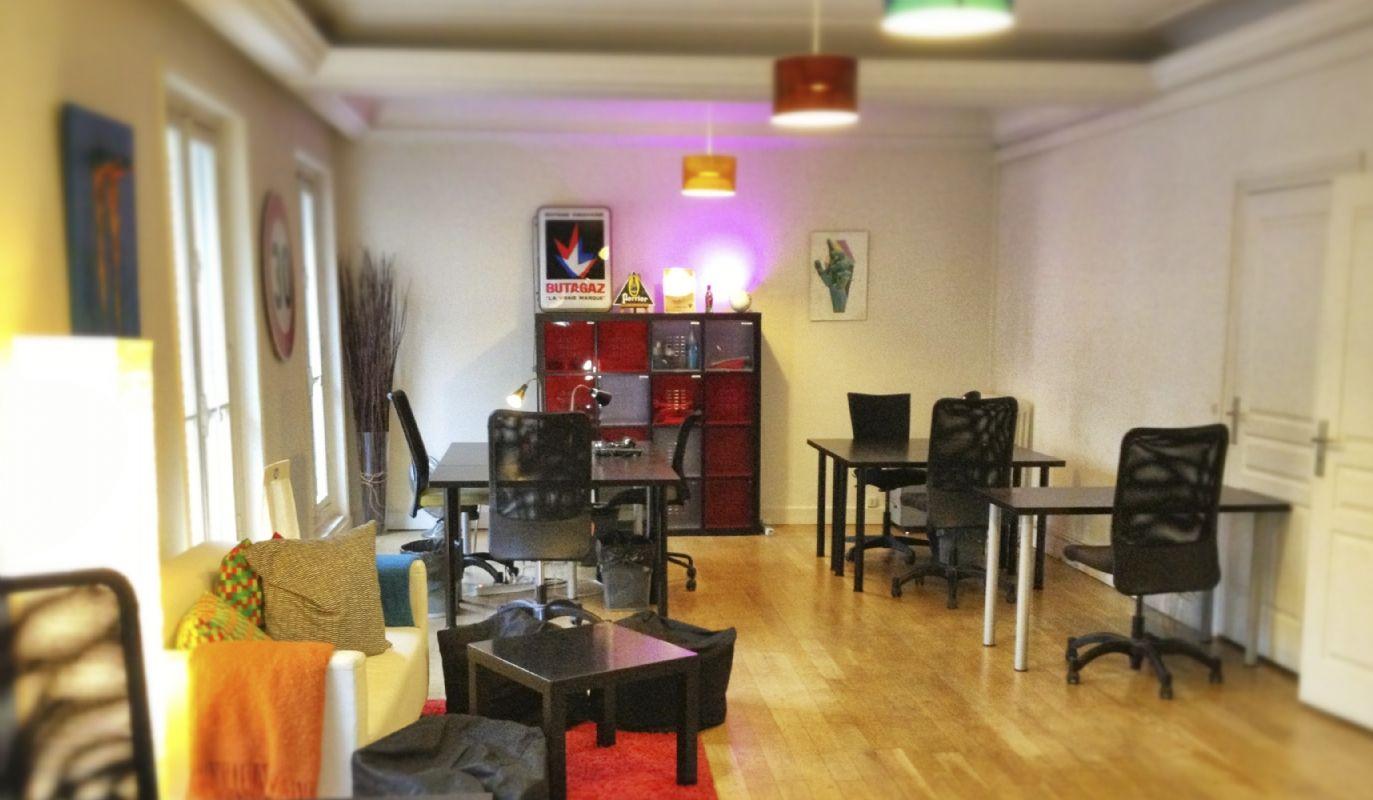 un nouvel espace de coworking paris. Black Bedroom Furniture Sets. Home Design Ideas