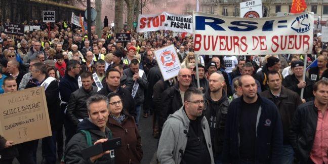 Les indépendants se mobilisent fortement à Paris contre le RSI