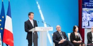 RSI: les 5 propositions retenues par Manuel Valls pour redorer l'image du régime