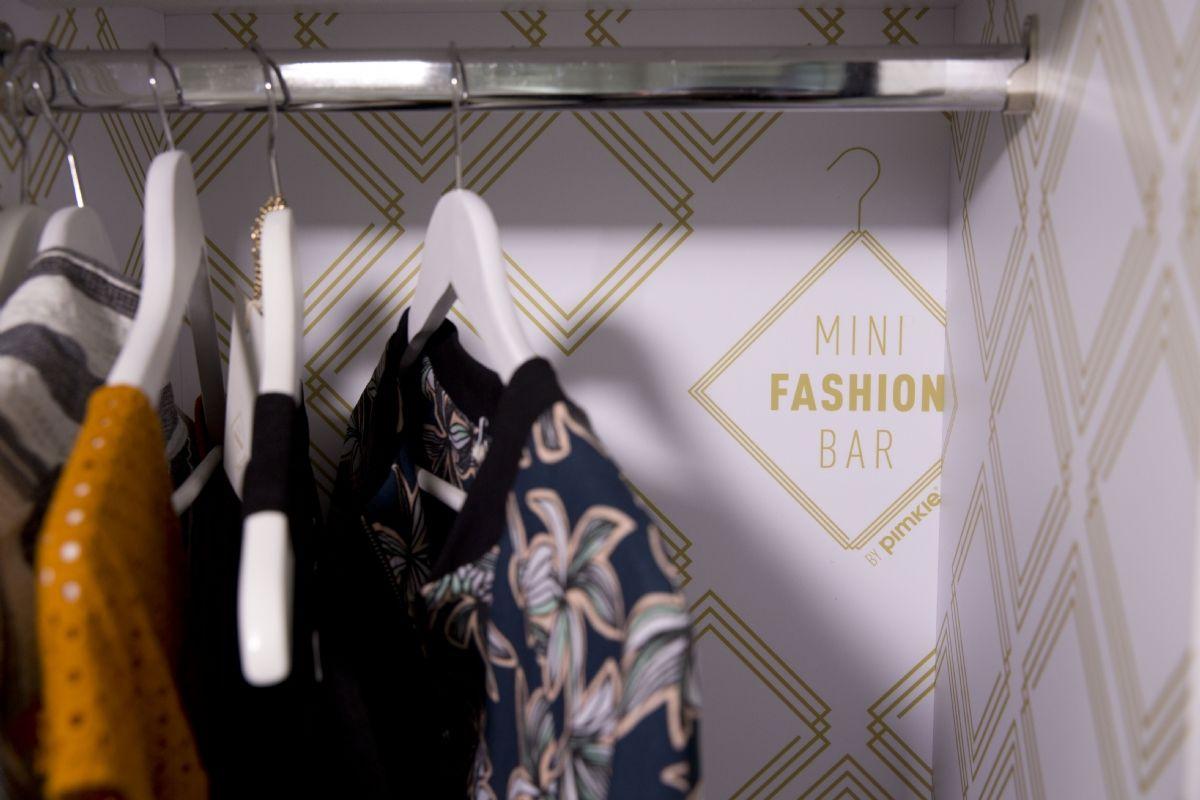 Idée d\'ailleurs] En Belgique, un minibar à vêtements investit les hôtels