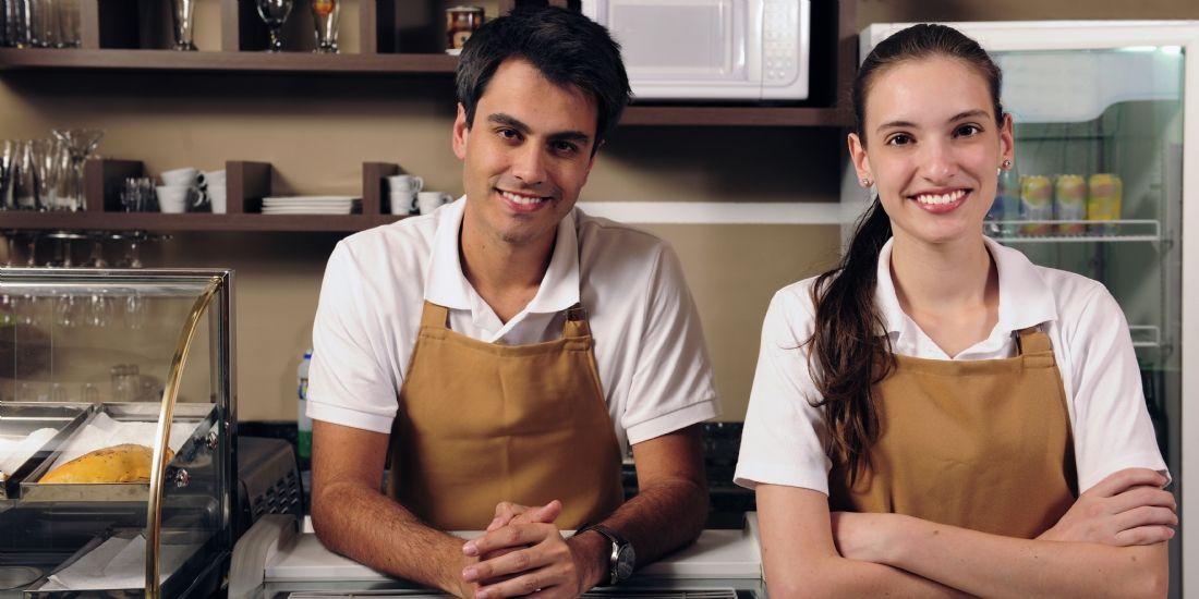 Travail en couple : un tiers des entreprises de proximité sont concernées