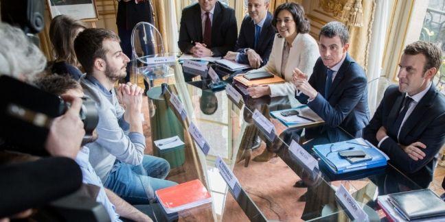 Manuel Valls a reçu le 11 mars les syndicats lycéens et étudiants à l'Hôtel de Matignon, dans le cadre de la concertation sur la loi Travail.