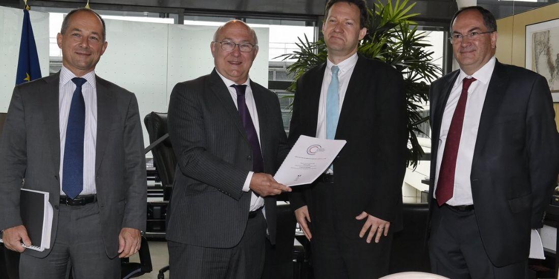 Bercy demande plus de transparence dans les tarifs pratiqués par les banques