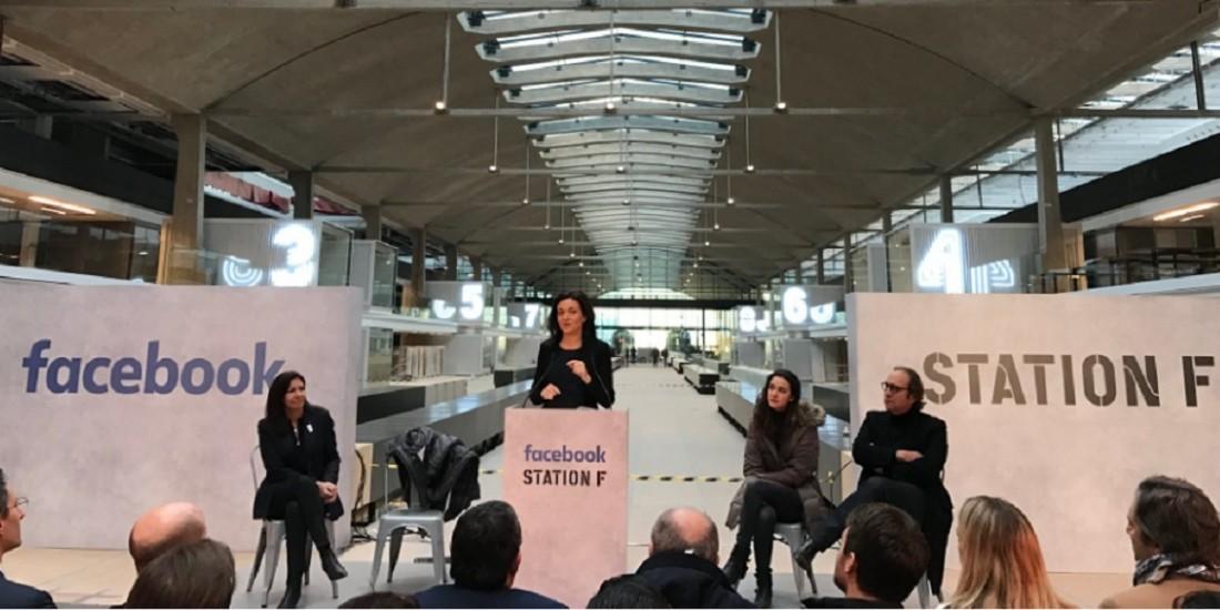 Anne Hidalgo, Sheryl Sandberg, Roxanne Varza et Xavier Niel (de g. à dr.) lors de la présentation de l'incubateur 'Start Up Garage', mardi 17 janvier 2017.