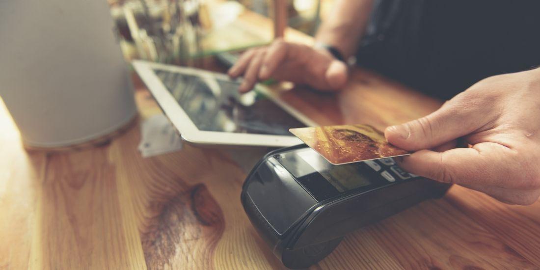 Intelligent et connecté, le terminal de paiement transforme les codes et enrichit le parcours client