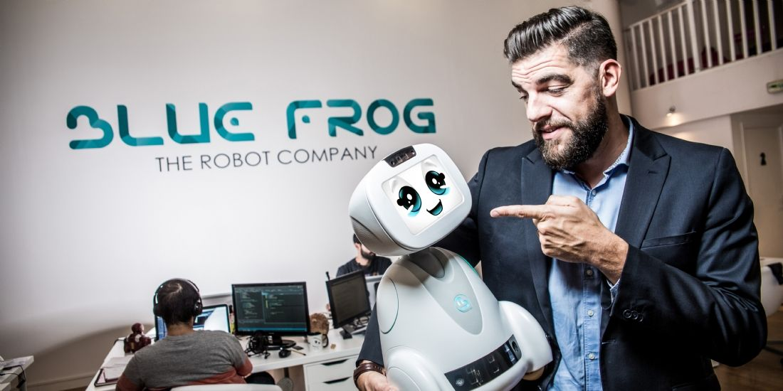 Dans la tablette de Rodolphe Hasselvander, p-dg de Blue Frog Robotics