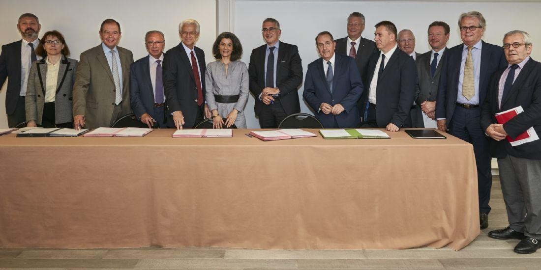 Paris : signature d'une convention pour améliorer le commerce francilien