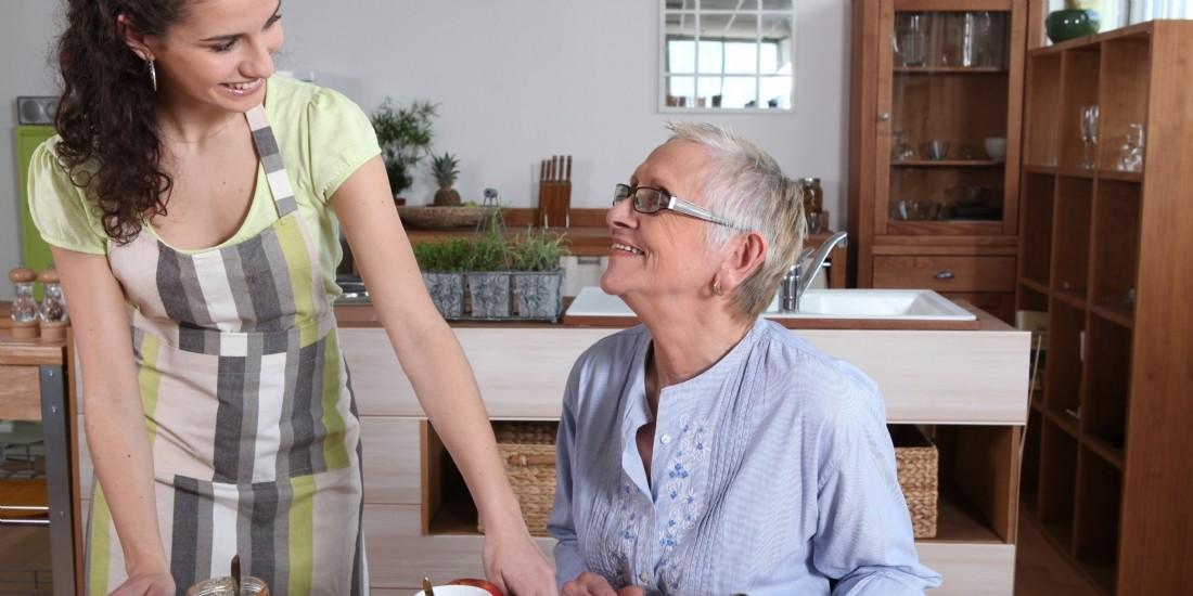 Entreprendre dans les services à la personne : comment faire son choix ?