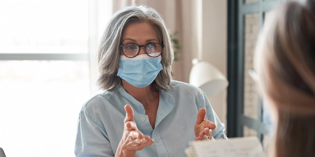 Comment parler distinctement avec un masque sur la bouche ?