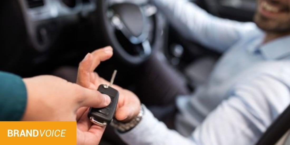 Leasing voiture : électrique ou hybride, quel choix pour les pros ?