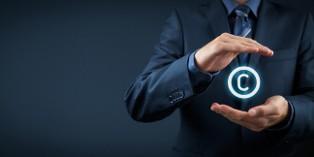 Le copyright permet de revendiquer la propriété intellectuelle d'un produit, d'un document, d'un nom de marque, etc.