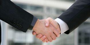 Rester en contact avec les membres de son réseau est primordial pour obtenir des réponses rapides au moment où l'on en a besoin.
